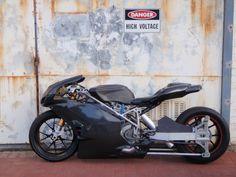 280bhp Twin Turbo Ducati 749R-based Dragbike