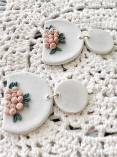 Polymer Clay Projects, Polymer Clay Creations, Handmade Polymer Clay, Clay Crafts, Polymer Clay Flowers, Polymer Clay Charms, Polymer Clay Jewelry, Diy Clay Earrings, Etsy Earrings