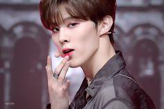 Daejeon, Boy Groups, Idol, Affogato, Celebrities, Husband, Baby, Blood Types, Ballerinas
