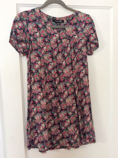 Forever 21 navy/pink floral tunic dress. Size small.  Good used condition.  $10 shipped.