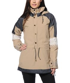 Fusing together fashion and function, this anorak style jacket is designed to keep you comfortable in any condition with the DRYRIDE Durashell water-resistant shell and the Living Lining adaptable pores that regulate temperature.