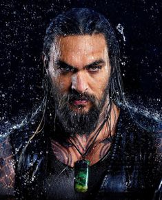 And here is another look at our DCEU badass, Jason Momoa as Aquaman. Jason Momoa Aquaman, Hang Nguyen, Sexy Men, Hot Men, Avan Jogia, Taylor Kitsch, Ryan Guzman, Karl Urban, Travis Fimmel
