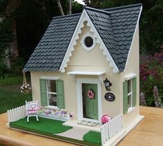 wee cute treasures: Update on Honeybee Cottage Diy Popsicle Stick Crafts, Popsicle Stick Houses, Wooden Crafts, Wooden Diy, Cardboard Dollhouse, Diy Crafts For Kids Easy, My Doll House, Glitter Houses, Cabins And Cottages