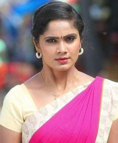 Beautiful Saree, Beautiful Indian Actress, Beautiful Blonde Girl, Beautiful Women, Anupama Parameswaran, Indian Teen, Girls Gallery, Cute Faces, India Beauty