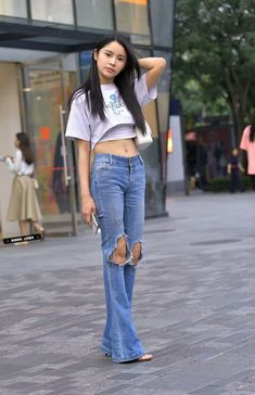 Jeans Style, Bell Bottoms, Bell Bottom Jeans, Asian, Street Style, Womens Fashion, Sexy, Pants, Sweetie Belle