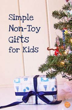 Simple and creative non-toy gifts for kids - Christmas and holiday gift guide ideas for kids www.createinthechaos.com