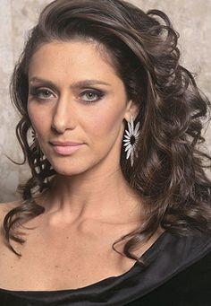 Maria Fernanda Cândido, atriz brasileira.