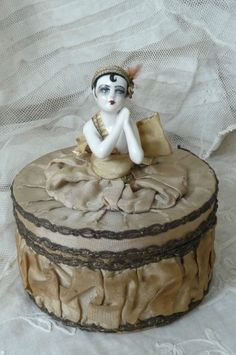 RARE ANTIQUE BOUDOIR DOLL.CANDY BOX .PIERROT C 1920 HALF DOLL.DRESSEL & KISTER