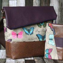 FoldOver Tasche mit passender Geldbörse von Hansedelli mit Dunkelbraunem und Auberginefarbenem Kunstleder und Beigen Baumwollstoff mit Schmetterlingen