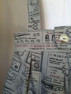 Anya shoulder bag in haberdashery print fabric by Jane from https://janemakes.wordpress.com/