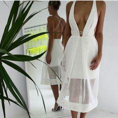 Perfect summer white dress. #summer #whitedress #plunging #fabfashionfix