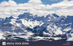 Download this stock image: Mountain Ski Resort Mount Assiniboine Banff National Park Alberta Canada on a sunny winter day - HA64C2 from Alamy's library of millions of high resolution stock photos, illustrations and vectors.