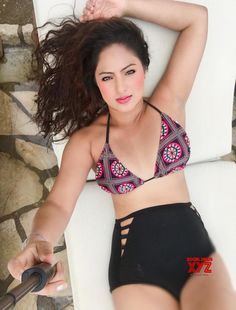Gorgeous Nikesha Patel Slays In High Waist Bikini 10 bollywoodbikinibabes 10 10 NikeshaPatel TvActress BollywoodActress Bikini Model IndianModel Hollywood Actress Photos, Hollywood Heroines, Tamil Actress Photos, Nikesha Patel, Celebrity Fashion Looks, Indian Bikini, Heroine Photos, Bollywood Photos, Bollywood Actress Hot