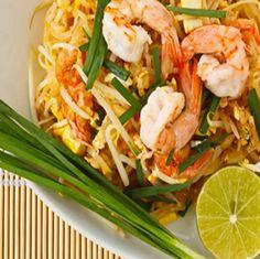 Paleo Pad Thai with Shrimp - Primal Hub Thai Recipes, Shrimp Recipes, Paleo Recipes, Paleo Pad Thai, Paleo On The Go, Paleo Meal Plan, National Dish, 300 Calories, Chicken