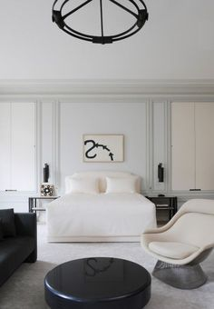 Beautiful classic contemporary bedroom by Joseph Dirand. Get the Look today wi Avenue Design Canada in Montreal Qc. Contemporary Interior Design, Contemporary Bedroom, Modern Bedroom, Home Interior Design, White Bedroom, White Bedding, 1920s Bedroom, Monochrome Bedroom, Bedroom Neutral