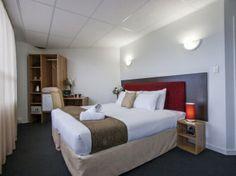Ascotia off queen .Executive Room | Photo 1 No kitchen , sky tv.