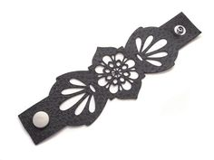 Leather cuff bracelet laser cut in grey leather - floral design Laser Cut Jewelry, Diy Jewelry, Jewelry Making, Laser Cut Leather, Leather Cuffs, Grey Leather, Leather Earrings, Leather Jewelry, Leather Projects