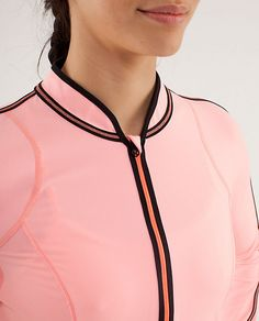 lululemon makes technical athletic clothes for yoga, running, working out, and most other sweaty pursuits. Nba Fashion, Golf Fashion, Sport Fashion, Fitness Fashion, Fashion Trends, Runway Fashion, Fashion Images, Fashion Details, Lace Up Bodycon Dress