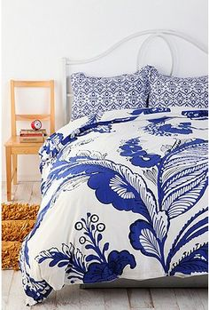 Just purchased this amazing duvet cover and pillow set.  IN LOVE.