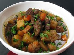 Cook this thick and hearty stew recipe on a cold winter day and you will have one delicious dinner. Guinness and wine at a lot of depth of flavor to this stew. Hearty Stew Recipe, Irish Beef Stew Recipe, Easy Beef Stew, Irish Stew, Beef Stew Meat, Guinness Beef Stew, Irish Recipes, Yummy Recipes, Free Recipes