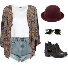 Booties, layers, shades, hat. And consider change your shorts for jeans later in the evening. Coachella it's cold when the sun sets! #moda #fashion