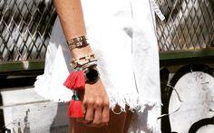 Früher haben wir sie noch selbst geknüpft – heute verschenken wir die Luxus-Variante. Die schönsten Armbändchen direkt zum Shoppen! http://on.elle.de/1MeOniL