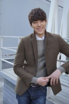 Kim Woo Bin in discussion to join Lee Min Ho and Park Shin Hye on 'Heirs'