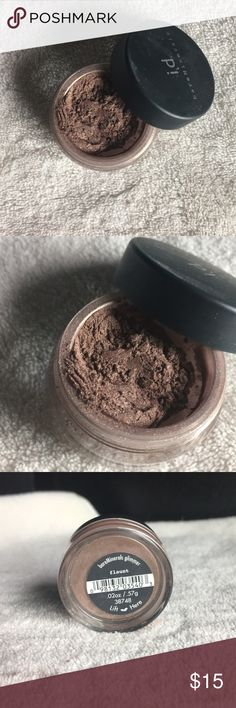 Never used Bare minerals Surrender to the rush, the high, the incredible creamy feeling of bareMinerals Eyecolors. Velvety smooth and unbelievably blendable, these vibrant, stay-true colors won't smudge or run. bareMinerals Makeup Eyeshadow