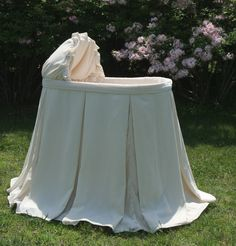Verona+Bassinet+in+Silk+Velvet+by+Lulla+Smith