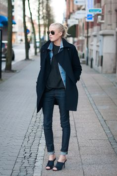 Photos Charlotte Håkanson. Coat from Lindex, denim jacket from Levis, knit from Prada (my dads), jeans from Acne,...