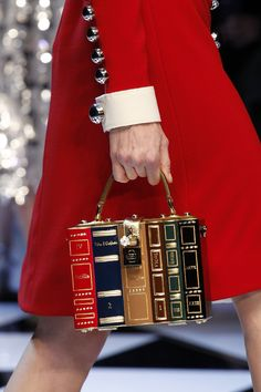 "voguesurvenus: Dolce & Gabbana Ready-to-Wear Fall. - voguesurvenus: "" Dolce & Gabbana Ready-to-Wear Fall 2016 "" Dolce & Gabbana, Dolce And Gabbana Bags, Book Purse, Book Clutch, Clutch Bag, Purses And Handbags, Cheap Handbags, Popular Handbags, Luxury Handbags"