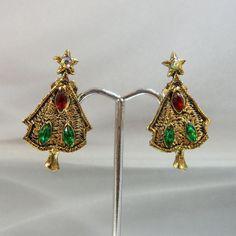 Vintage Christmas Earrings Christmas Trees Red Green by waalaa, $19.99