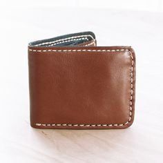 Hand Sewn Leather Men Wallet in Brown
