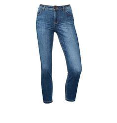 Mittelblaue 7/8-Denim Yoko    Schmale High Waist Jeans im mittelblauen Washed-Look in verkürzter 7/8-Länge: das Modell Yoko von Street One. Die eigentlich mittelblaue Jeans in schmaler Passform bekommt im trendigen Washed-Look eine lebendige Optik mit eingewaschenen Crinkles und dezent helleren Stellen. Sie hat einen hoch geschnittenen Leib und enganliegende Beine in sommerlich-knöchelfreier 7/...