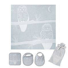 Adorable organic muslin owl swaddle blanket, plus two bibs and a wash cloth.  This would be the perfect baby shower gift for a newborn!  Love the natural look of these too...