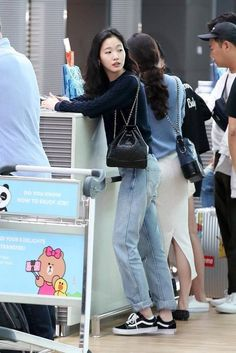 kim go eun - Twitter Search / Twitter Pop Fashion, Autumn Fashion, Fashion Looks, Fashion Styles, New Look, That Look, White Flowy Dress, Kim Go Eun, Western Outfits