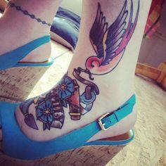55 Tatuagens de andorinha e seu significado