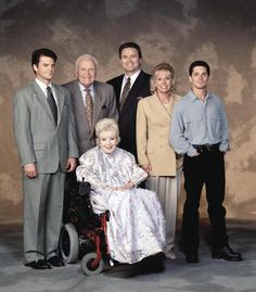 Here's a rare sight: a family photo of the Quartermaines -- Ned, Edward, Lila, Alan, Monica, A.J. -- where everyone was smiling. #GH50
