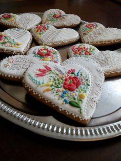 Kalocsai Embroidery Hearts