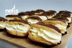 Ekler Pasta Tarifi nasıl yapılır? 6.297 kişinin defterindeki Ekler Pasta Tarifi'nin resimli anlatımı ve deneyenlerin fotoğrafları burada. Yazar: KÜBRA PELVAN