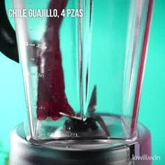 Guacamole with Marinated Shrimp Fish Recipes, Mexican Food Recipes, Sweet Recipes, Homemade Guacamole, Guacamole Recipe, Guajillo Chili, Marinated Shrimp, Salmon Pasta, Catering Food