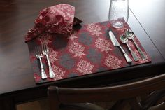 Florentina Napkin and table setting- Uptown Simple #holidays #tabletop #dining