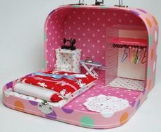 paper trunk doll house!!
