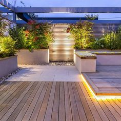 Roof Terrace Design, Rooftop Design, Fence Lighting, Backyard Lighting, Lighting Ideas, Landscape Lighting Design, Roof Architecture, Contemporary Architecture, Modern Contemporary
