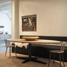 design tafel, houten tafel op één poot, dirk jisk tafel, ronde tafel, vierkante tafel, ovale tafel, rechthoekige tafel