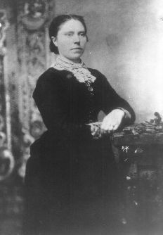 Belle Gunness-  One of the most famous aloof female serial killers in history.  You've gotta read her story!