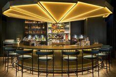 Hong Kong, — /Travel PR News/ — Mandarin Oriental, Munich has opened Ory, a chic new cocktail bar serving avant-garde drinks in a contempo Design Café, Bar Interior Design, Cocktail Bar Interior, Cocktail Bar Design, Cocktail Menu, Bar Restaurant Design, Restaurant Lighting, Bar Counter Design, Architecture Restaurant