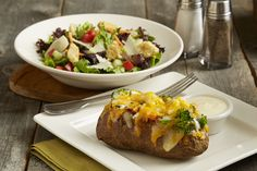Baked Potato & Soup or Salad - Choose either a Classic Baked, Garden Vegetable or Grilled Chicken baked potato to go with your favorite soup or salad. Chicken Potato Bake, Baked Potato Soup, Grilled Chicken, Baked Chicken, Bj Restaurant, Lunch Specials, Lunch Menu, Soup And Salad, Restaurants