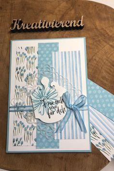 Heute habe ich mal eine Karte in Babyblau für dich. Das macht doch so richtig Lust auf Sonne und glitzerndes Meer, oder? Mir macht die Farbe auf jeden Fall richtig gute Laune! #kreativierend #stampinup #bastelninrastede #kartenliebe #diy #cardmaking Stampinup, Paper Strips, Baby Blue, Papercraft, Triangles, Stocking Stuffers, Arts And Crafts, Creative Ideas, Cards