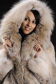 Brand new Lynx bomber jacket from Canadian Lynx skins with cities (legal) Fox Fur Coat, Fur Coats, Mens Fur, Fabulous Furs, Club Shirts, Great Women, White Fur, Fur Fashion, Fashion Guide